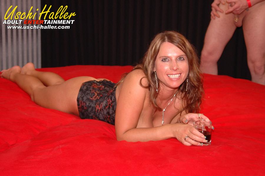 private strip party zäpfchen einführen strafe